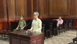 Ảnh chụp màn hình video của Thông tấn xã Việt Nam về phiên tòa xử ông Trần Công Khải ngày 27/06/2019. (Photo courtesy)