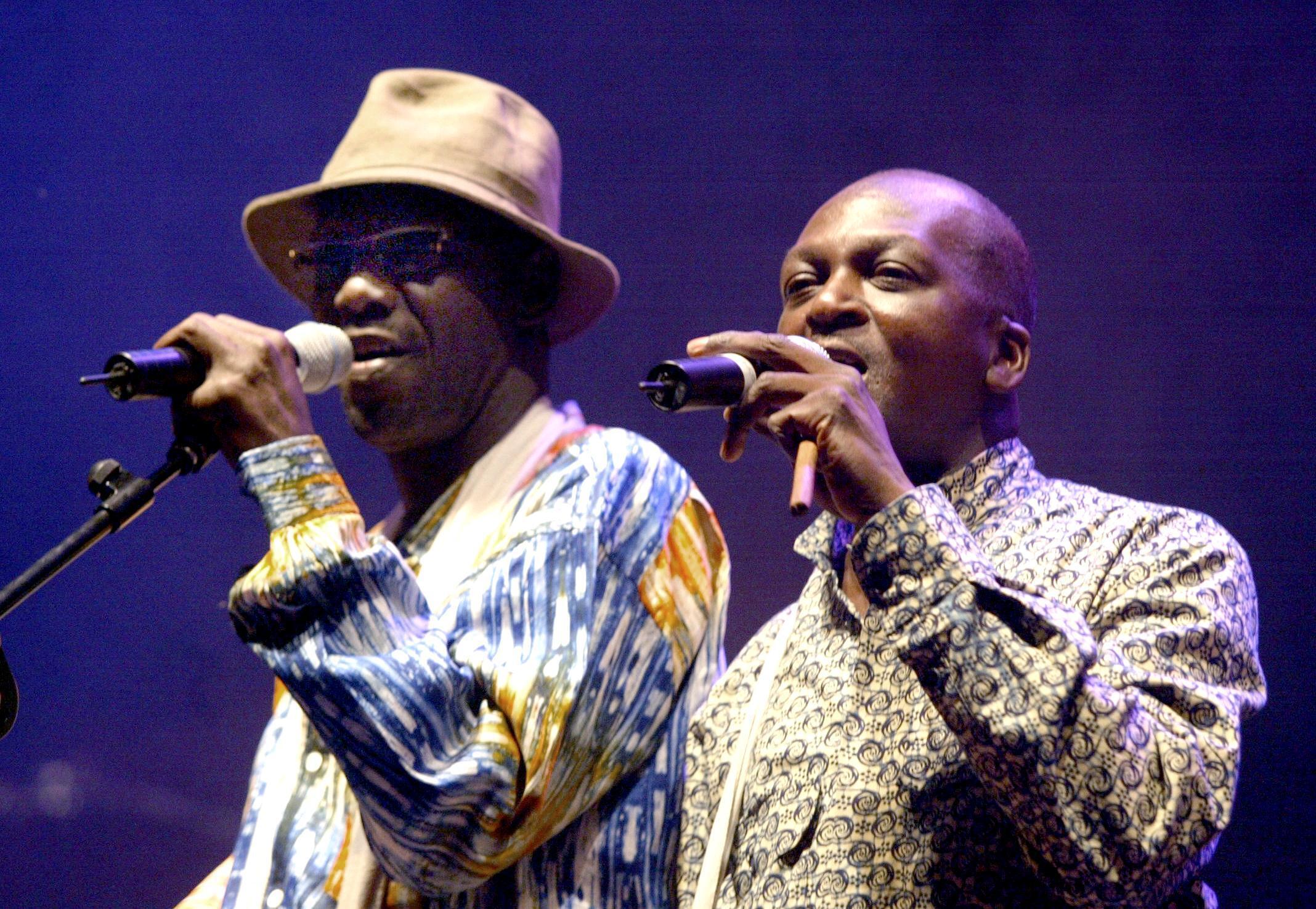 Le groupe sénégalais Touré Kunda en juillet 2004 lors de la 23è édition du festival « Jazz à Montauban ».