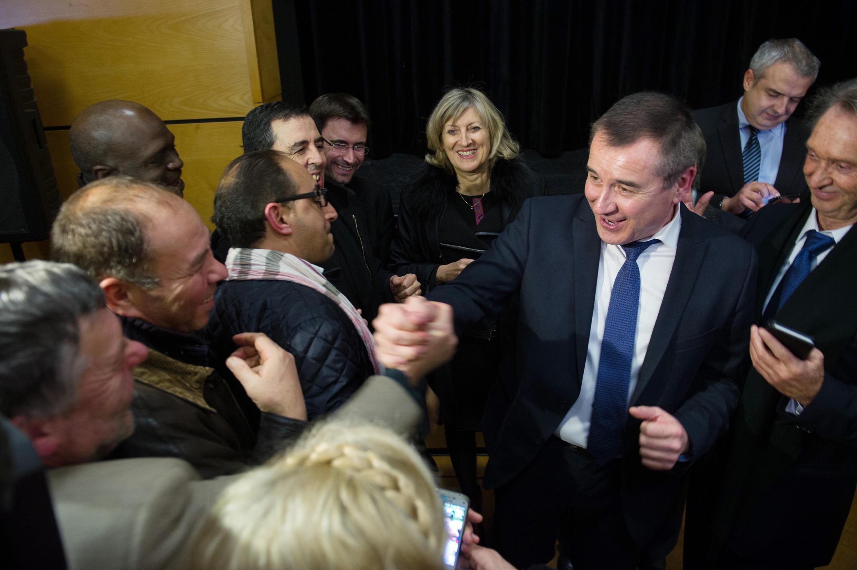 Le candidat PS, Frédéric Barbier, victorieux à l'élection partielle du 8 février face au FN.