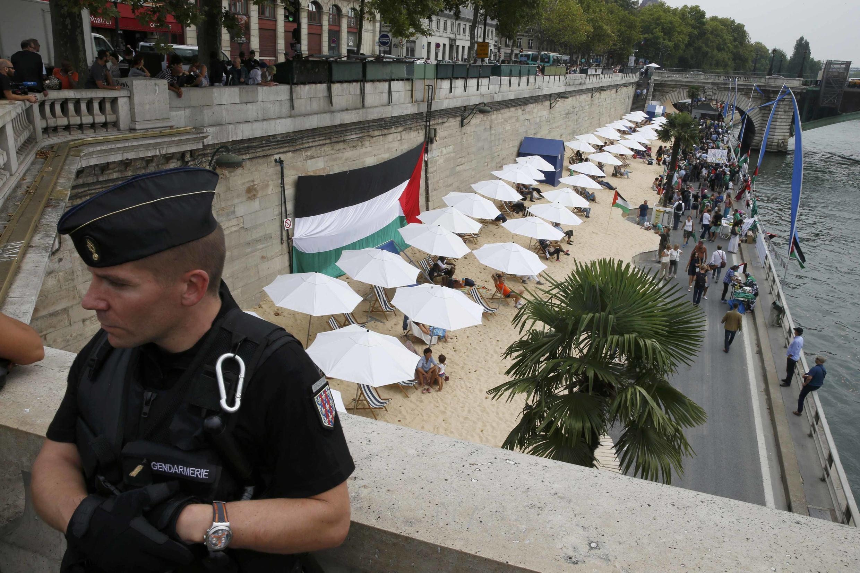 Over 500 policemen at Tel-Aviv sur Seine, Paris Plage, on the 13th of August