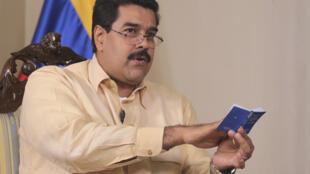 Vice-presidente da Venezuela, Nicolás Maduro, deu a entender que posse de Chávez pode ser adiada.