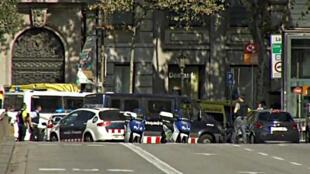 Carrinha atropela várias pessoas em Barcelona