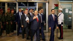 Le nouveau Premier ministre irakien, Adel Abdel Mahdi, le 24 octobre 2018 à Bagdad. A ses côtés, le président du Parlement Mohammed al-Halbousi.