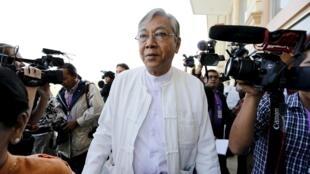 緬甸新總統吳廷覺(Ông Htin Kyaw)