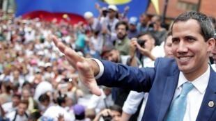 Juan Guaido, leader de l'opposition vénézuélienne que beaucoup de pays ont reconnu comme président par intérim du pays, lors d'un meeting à Caracas, le 19 avril 2019.