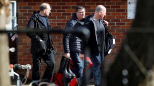 Các thanh tra OIAC đến hiện trường vụ đầu độc Skripal ở Salisbury (Anh) hôm 21/03/2018.