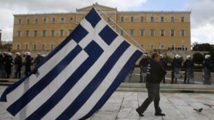 L'adoption du texte par lmes députés grecs jeudi 23 février est le premier volet du plan d'effacement de la dette.