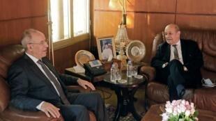 Le ministre français des Affaires étrangères, Jean-Yves Le Drian, a été reçu par son homologue marocain, M Bourita et par le ministre marocain des Affaires islamiques, Ahmed Taoufik (photo), le 9 novembre 2020.