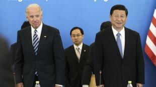 习近平与拜登在北京共同出席中美企业家座谈会(2011年8月19日)