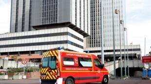 A UTI do hospital Bichat de Paris foi uma das primeiras a receber casos graves provocados pelo Covid-19.