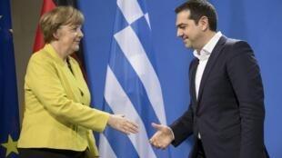Entre Angela Merkel et Alexis Tsipras,
