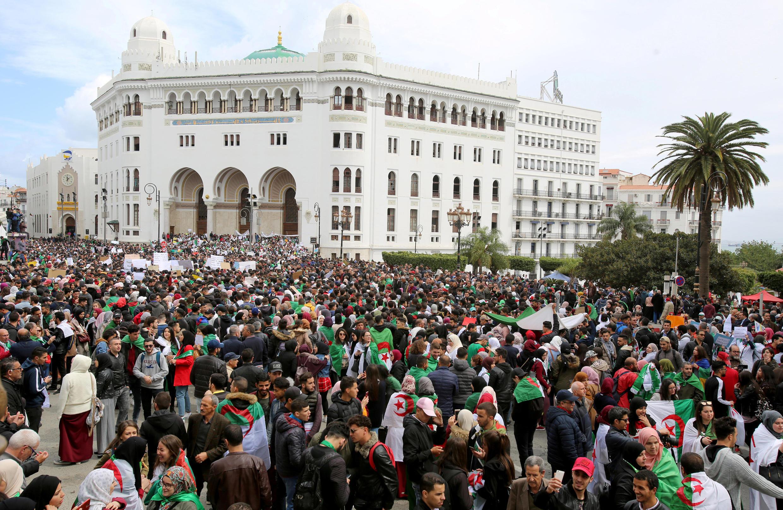 Maandamano yanayomtaka rais Abdelaziz Bouteflika kujiuzulu, Algiers Machi 19, 2019.