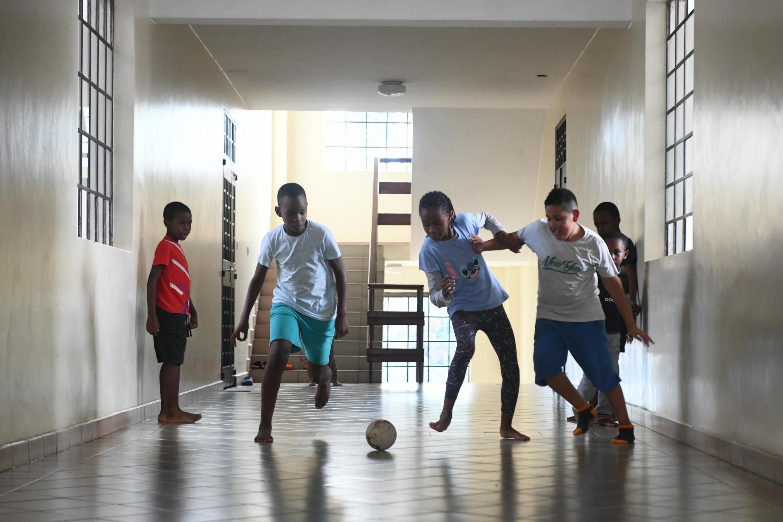 Em São Tomé e Príncipe o ano lectivo 2020/2021 arranca de forma faseada a partir de 8 de Setembro 2020, com medidas sanitárias para travar a pandemia da Covid-19.