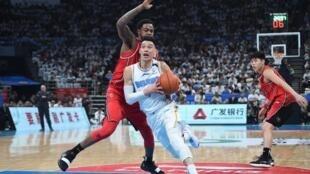 La star de la Chinese Basketball Association (CBA), l'Américain Jeremy Lin devrait effectuer son retour sur les parquets de CBA fin juin.