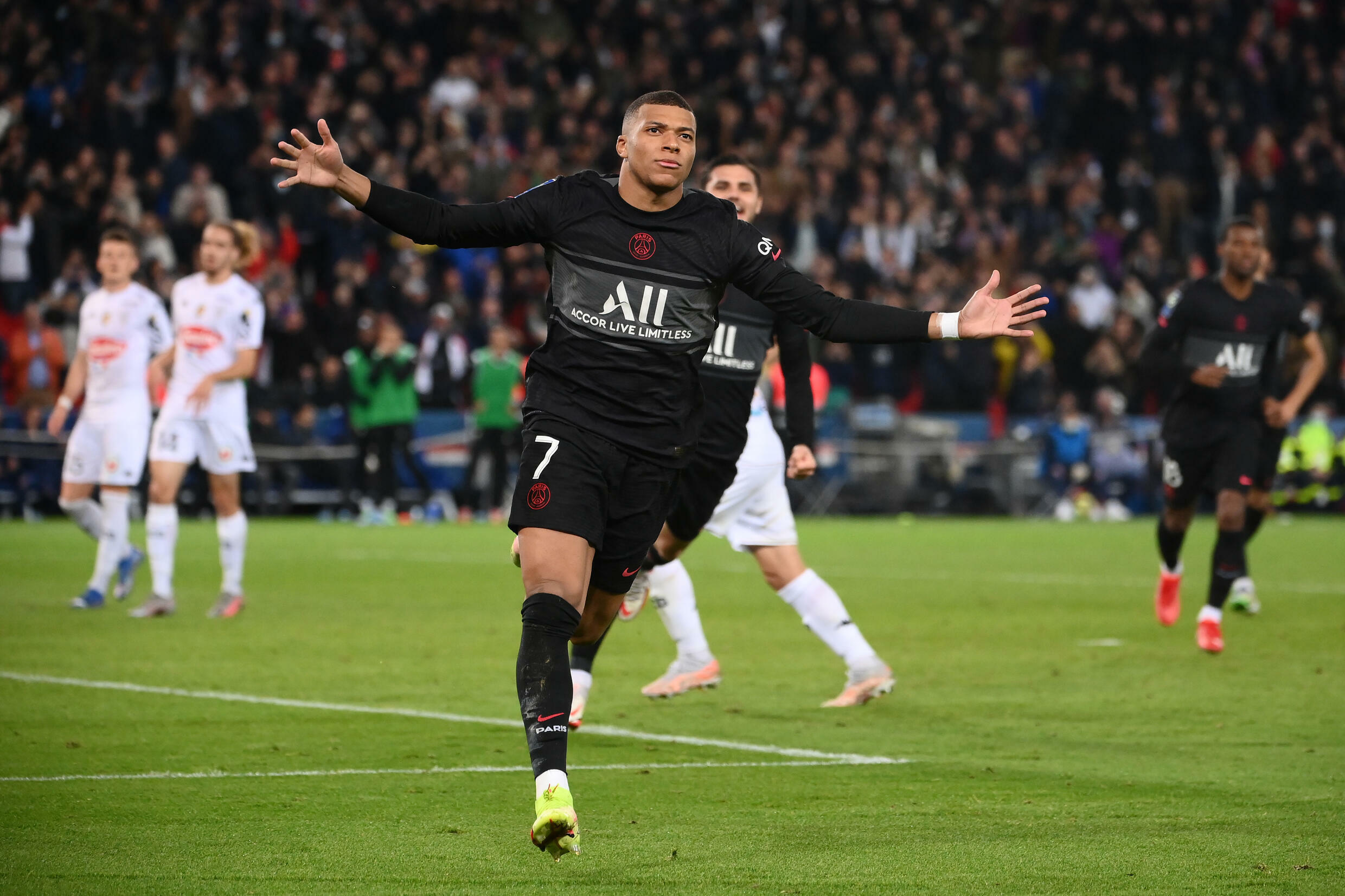 Kylian Mbappe's late penalty gave PSG victory against Angers