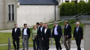 Dirigentes del G8 caminando en Lough Erne, Enniskillen, este 18 de junio.