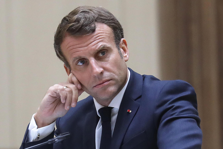 Presidente francês Macron anuncia prémio de serviço nocturno da polícia
