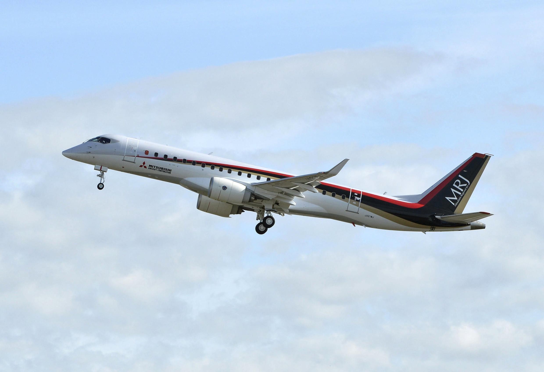 L'aéronef de près de 100 places s'est élancé de l'aéroport de Nagoya sous un ciel bleu et quasiment sans vent.