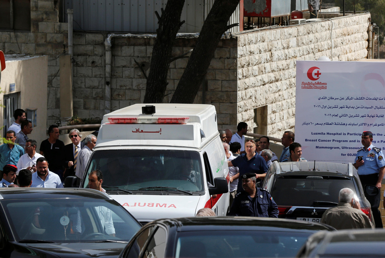 Амман. 25/09/2016 Машина «скорой помощи», которая привезла в госпиталь тело смертельно раненного Нахера Хаттара