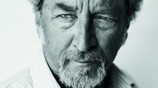 Photographie portrait du réalisateur Robert Guédiguian.