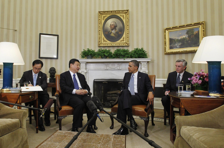 Tổng thống Mỹ Barack Obama (phải) tiếp phó chủ tịch Trung Quốc Tập Cận Bình, Nhà Trắng, Washington, 14/02/2012