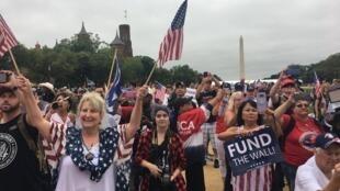 Rien ne fera vaciller la base électorale de Donald Trump. Ils ne sont pas nombreux sur le Mall à Washington, mais leur ferveur est intacte.