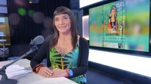Gabina Funegra en los estudios de RFI/France 24