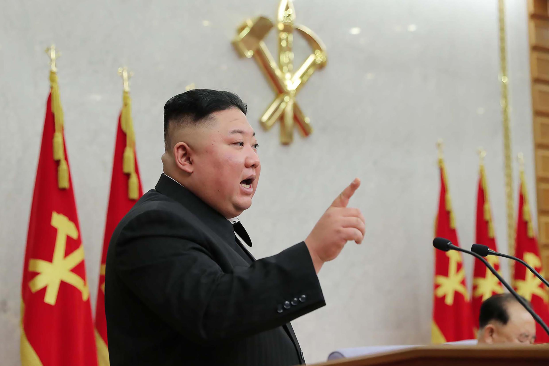 El líder norcoreano Kim Jong Un en una reunión plenaria del Comité Central del Partido de los Trabajadores de Corea del Norte el 8 de febrero de 2021