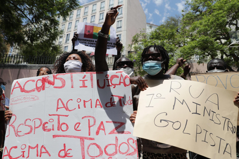 Protesto da diáspora guineense contra a crise política na Guiné-Bissau. Lisboa, 11 de Julho de 2020.