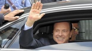 O premiê italiano, Silvio Berlusconi, pode se apresentar para as eleições legislativas de abril de 2013.