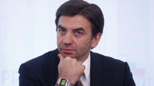 Михаил Абызов работал вкабинете министров с2012 по2018 годы, аранее занимал должность советника президента Дмитрия Медведева