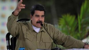 """Maduro: """"Há uma semana os vencemos com votos e hoje tivemos que vencer o terrorismo com balas""""."""