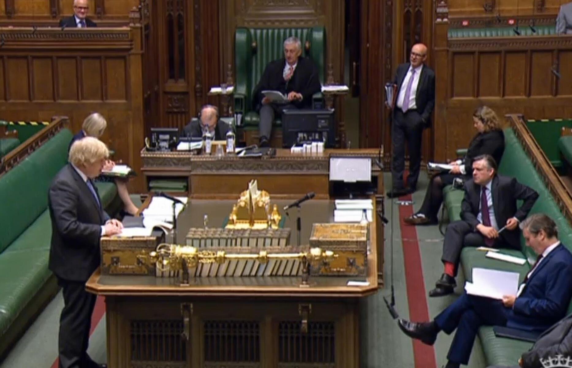 Ảnh minh họa: Thủ tướng Anh Boris Johnson phát biểu tại Nghị Viện về việc nới lỏng các quy định dịch tễ chống Covid-19.