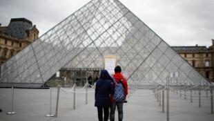 盧浮宮不會馬上開館