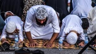 Muçulmanos representam entre 5 e 6 milhões de pessoas que compõem a população da França.