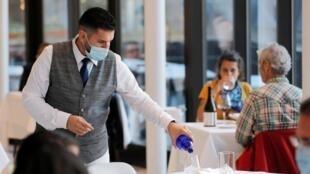 Les restaurants newyorkais peuvent rouvrir mais à seulement 25% de leur capacité d'accueil, le 30 septembre 2020.