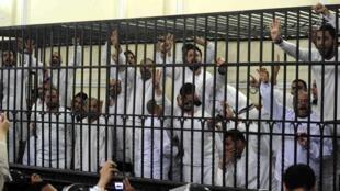 Fim de março alguns dos prisioneiros  da Irmandade Muçulmana do Egipto detidos em Alexandria.