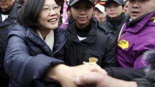 2012年1月4日,台湾民进党主席,总统候选人蔡英文在花莲为竞选造势。