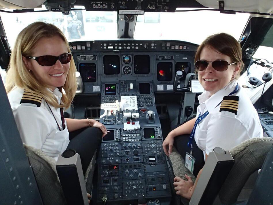 Авиакомпании должны больше делать для привлечения новых летчиков, предписывают эксперты