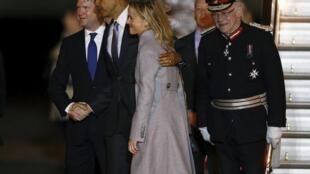 Obama foi recebido no aeroporto de Stansted, nos arredores de Londres.