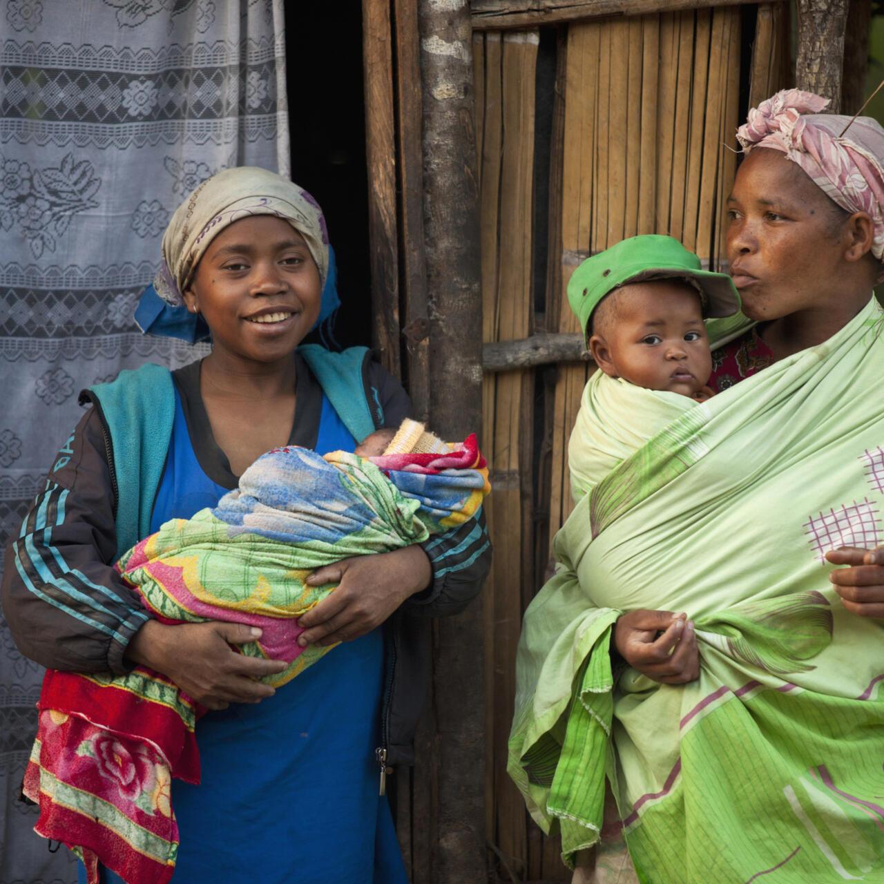Cautand femeie Tamatave Madagascar)