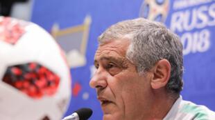 Fernando Santos, treinador da selecção de Portugal, na conferência de imprensa no estádio Fisht, na véspera do jogo entre Uruguai e Portugal.