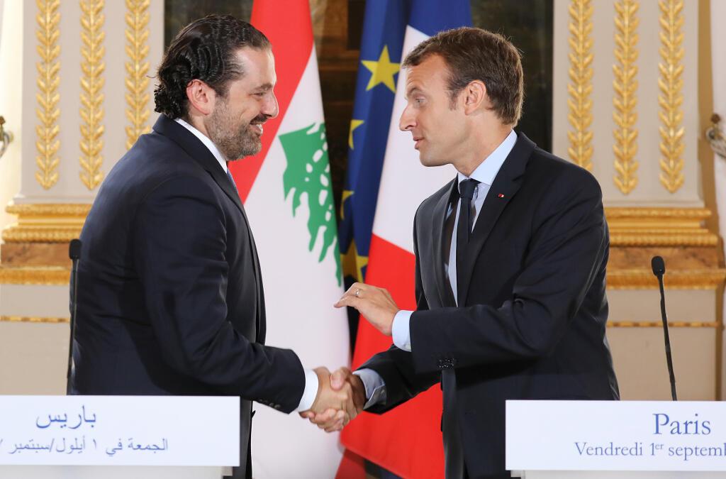 Tổng thống Pháp Emmanuel Macron (P) tiếp thủ tướng Liban Saad Hariri, ngày 01/09/2017, tại Paris.