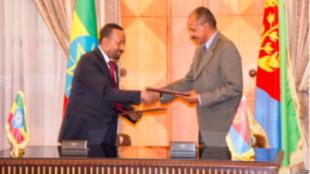 Rais wa Eritrea Issaias Afwerki na Waziri Mkuu wa Ethiopia Abiy Ahmed huko Asmara, Eritrea, Julai 9, 2018.