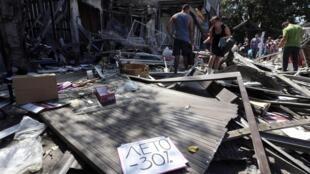 2014年8月6日夜間,頓涅茨克市中心附近遭受空襲。