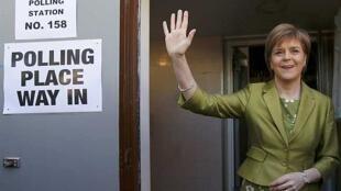 Nicola Sturgeon des indépendantistes écossais SNP. Ils râflent la mise dans la région autonome.