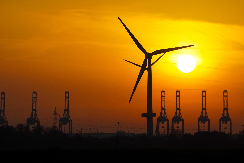 2020-11-30 france renewable energy wind oil fossil fuel solar
