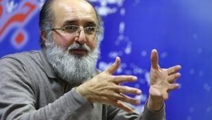 حیدر مستخدمین حسینی، اقتصاددان در ایران