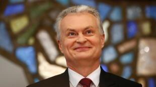 Le président élu lituanien Gitanas Nauseda lors d'une conférence de presse à Vilnius, le 27 mai 2019.