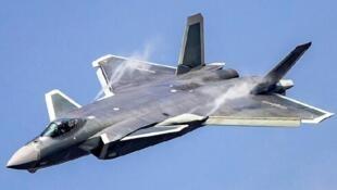 图为中国先进隐形战机歼-20网图